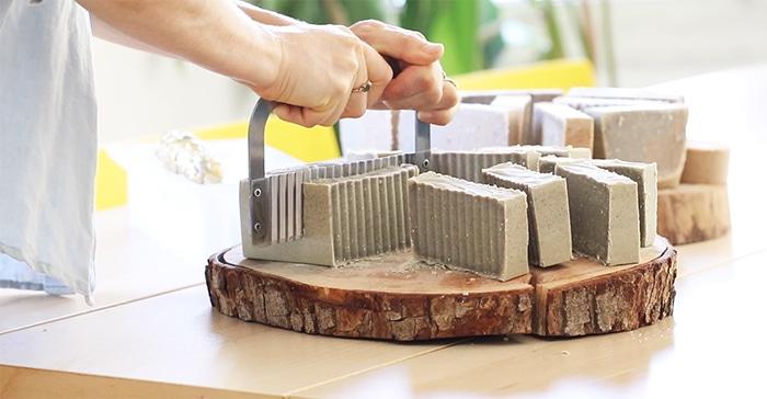 מתכון להכנת סבון מוצק טבעי עדין